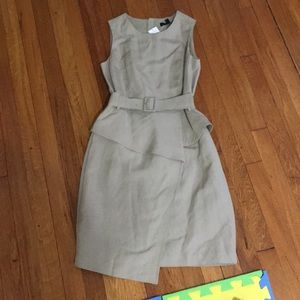 Brand new, kahaki BR dress with belt